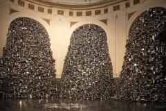 Subodh Gupta, Dieu affamé, église Sainte Marie Madeleine, exposition Lille 3000 (2016) - SL