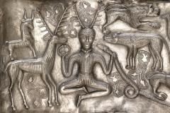 Dieu celte Cernunnos, chaudron de Gundestrup, 1er siècle av. J.-C., musée du Danemark - wikimedia commons, domaine public
