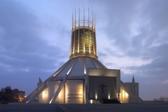 Cathédrale métropolitaine du Christ Roi de Liverpool,Frederick Gibberd, 1967 - wikimedia commons, Chowells, CC BY 2.5