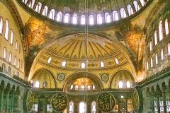 Basilique Sainte Sophie, coupole, 6ème siècle - wikimedia commons, Ingo Mehling CC BY-SA 3.0
