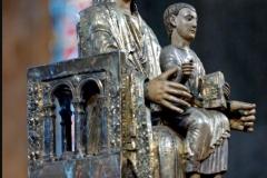 Vierge d'Orcival, 12ème siècle - wikimedia commons, domaine public
