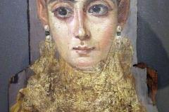 Portrait mortuaire de femme dite l'Européenne, Egypte romaine, 1er siècle - wikimedia commons, Louvre CC BY 3.0