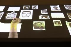 Editor solitario, Oscar Munoz, 2011 - exposition Musée du quai Branly SL2020