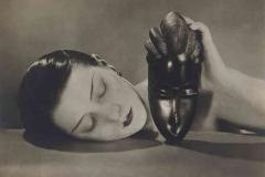 Man Ray, Noire et Blanche 1926 - wikimedia commons, domaine public