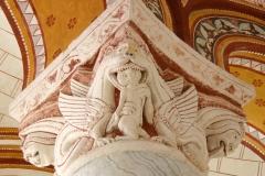 Chapiteau église Saint Pierre de Chauvigny, 11ème siècle - wikimedia commons, par Gerd Eichmann — Travail personnel, CC BY-SA 4.0,