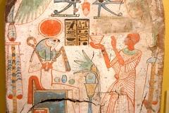 Stèle d'offrande à Re Horakhty Atoum, XXIème dynastie, Louvre - wikimedia commons, domaine public