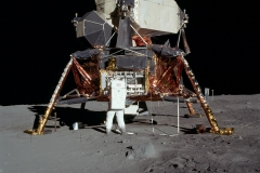 Apollo 11 : Buzz Adrin sur la lune, Neil Amstrong - wikimedia commons, domaine public - 5927NASA, 1969