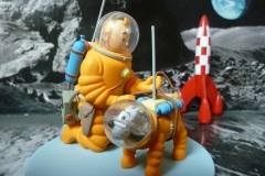 Scène de Tintin, on a marché sur la lune, Hergé, 1954 - wikimedia commons, Hdeinert2002 — Travail personnel, CC0,