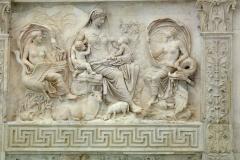 Tellus Matter, détail autel de la paix, Rome, 13ème-9ème av. J.-C. - wikimédia commons, par Sailko — Travail personnel, CC BY 2.5,